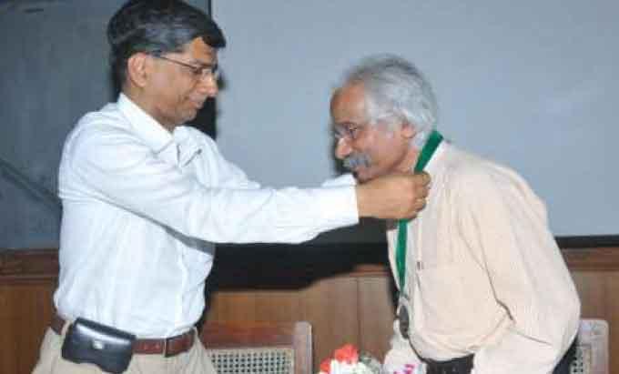 IISC distinguished Alumnus Award 2014 to Mr. Dinesh Kumar